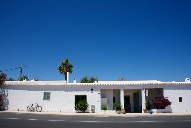 Aubergine_Ibiza_place00